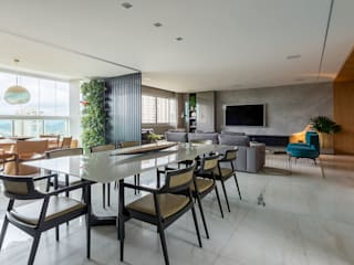 LEDS Arquitetura Modern dining room Black