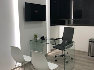 B-Balance Estudios y despachos modernos de Hernández Zarco Moderno