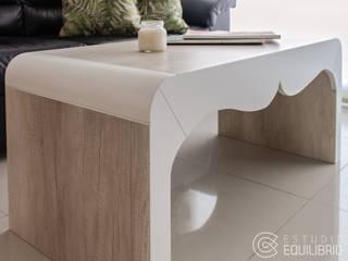 Modern living room by Estudio Equilibrio Modern