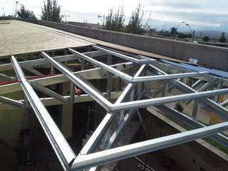 Roof by CEC Espinoza y Canales LTDA, Modern