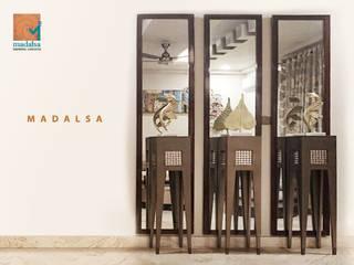 Living Room Decor: modern  by Madalsa Soni,Modern