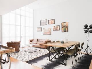 Arquitectura / Interiorismo IDC_STUDIO Salones de estilo moderno
