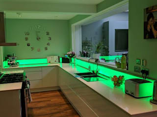 LED Upstands de LiteTile Ltd Moderno