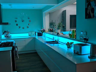 LED Upstands: modern  by LiteTile Ltd, Modern