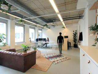 Entrr. Industriële kantoor- & winkelruimten van Studio Morgen Industrieel