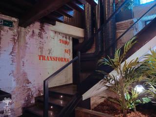 Proyecto de reforma, interiorismo, decoración y rehabilitación de bar en centro histórico de Valladolid Bares y clubs de estilo industrial de MEDITERRANEAN FUSION S.L. Industrial