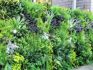 Outdoor artificial vertical garden fence privacy:   by Sunwing Industries Ltd