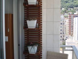 Hortinha vertical: Varandas  por Luciana Rossetti Paisagismo