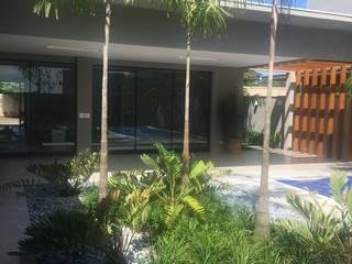 Jardim Residencial: Jardins  por Luciana Rossetti Paisagismo