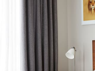 Hackney Penthouse - Hemp and Sheer Curtains Dormitorios de estilo industrial de Stitched Industrial