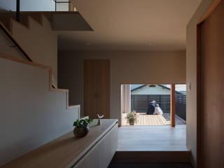 若久の家 モダンスタイルの 玄関&廊下&階段 の 藤本建築設計事務所 モダン