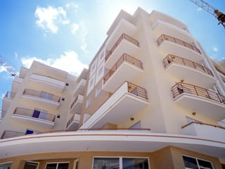 Conjunto Habitacional Abranches - Armação de Pêra por Atelier Teresa Correia - Arquitetura e Urbanismo, Lda