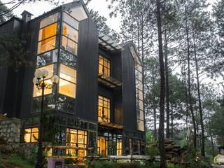 Modern Houses by CÔNG TY THIẾT KẾ NHÀ ĐẸP SANG TRỌNG CEEB Modern