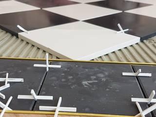 Highendflooring Almere:  Woonkamer door LaTr Interior, Minimalistisch
