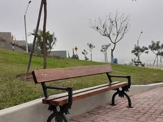 Fabricacion mobiliario urbano de hierro fundido para obras publicas y privdas por todo el país:  de estilo colonial por Patio & Hierro, Colonial