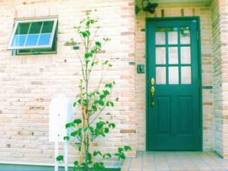 ドア: スイートホーム株式会社が手掛けた玄関ドアです。,
