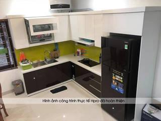 Công trình tủ bếp acrylic nhà chị Hương ở Nguyễn Văn Cừ - Long Biên Nội thất Hpro KitchenCabinets & shelves Multicolored