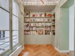Appartement familial- Paris Hauteville Couloir, entrée, escaliers modernes par Agence KP Moderne