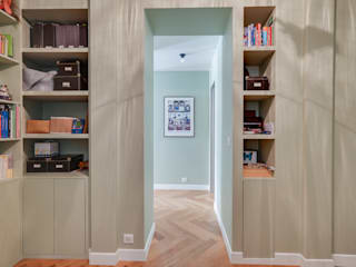 Corridor & hallway by Agence KP,