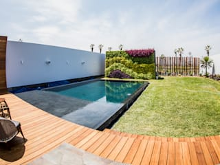 DOF Arquitectos Pool Concrete Black