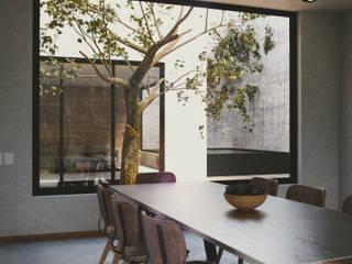 Casa de Blanco Comedores modernos de aerrecu Moderno