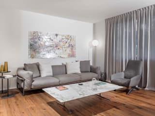 Living room by MIROarchitetti, Modern