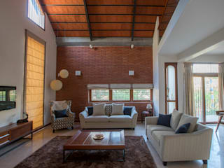 Pitched House Modern living room by Kamat & Rozario Architecture Modern