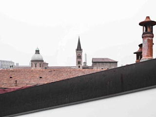 Roof by MIROarchitetti, Modern