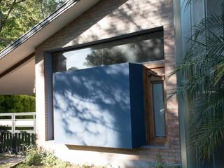 Casa El Pinar: Casas de estilo  por Arquirea,