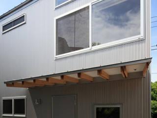 ふたりとにひきの家: 一級建築士事務所あとりえが手掛けた家です。
