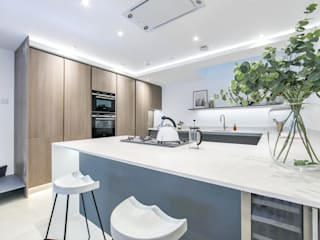 Dulwich Townhouse:  Kitchen units by LJ Interiors , Modern