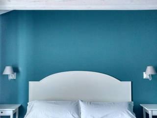 CARMITA DESIGN diseño de interiores en Madrid Спальня в средиземноморском стиле МДФ Белый