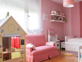 Proyectos de decoración dormitorios infantiles de DESDEDIEGO DECORACIÓN Ecléctico