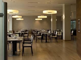Modern dining room by ALMAR Srl Modern