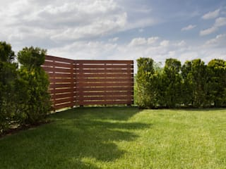 Front garden by Bednarski - Usługi Ogólnobudowlane