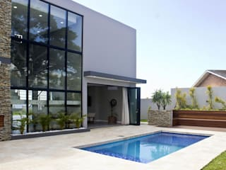 Garden Pool by Barnard & Associates - Architects, Minimalist