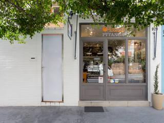 Casa Pitanga Café 1 Espaços comerciais modernos por Estúdio Ventana Moderno