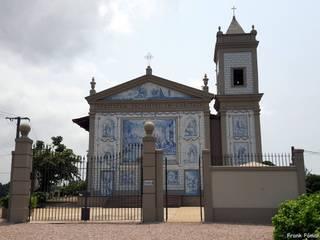 Projecto Igreja de Nossa Senhora de Lourdes  em Libreville,Gabão: Casas  por Leiveira-Azulejos de Azeitão,Lda,