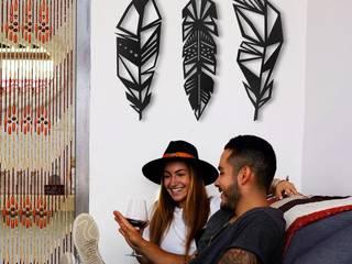 Prestigious Feathers - Odun Arts / Tótem Madera de Odun Arts Minimalista