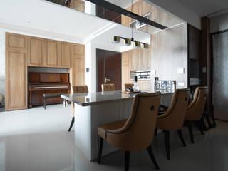 Dining room by 有隅空間規劃所, Classic