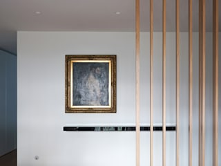 VIVIENDA CÍSCAR Pasillos, vestíbulos y escaleras de estilo moderno de Ximo Roca Diseño Moderno