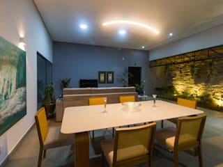 Modern dining room by guilherme faria arquiteto Modern