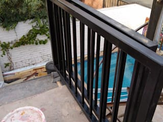 Balcony by Constructora Crowdproject, Modern