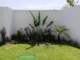 Rediseño de Jardín para eventos sociales. ESPACIOS NATURALES JARDINERIA Y PAISAJISMO Jardines modernos