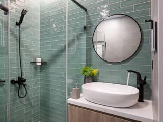 Banheiros escandinavos por 寓子設計 Escandinavo