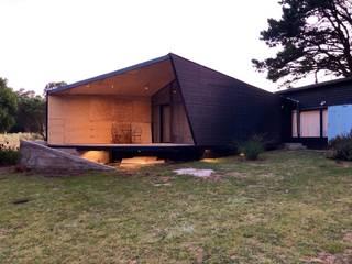 Ampliacion Feal: Casas de estilo  por LOI Arquitectura