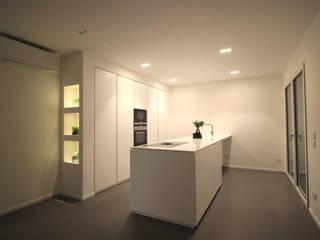 Ristrutturazione cucina: Cucina in stile  di ALFONSI ARCHITETTURA,