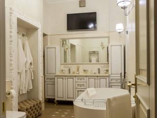 Phòng tắm theo Студия дизайна интерьера Татьяны Лазурной, Kinh điển