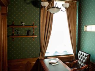 Phòng học/Văn phòng theo Студия дизайна интерьера Татьяны Лазурной, Kinh điển