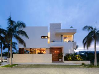 Casa unifamiliare in stile  di Daniel Cota Arquitectura | Despacho de arquitectos | Cancún